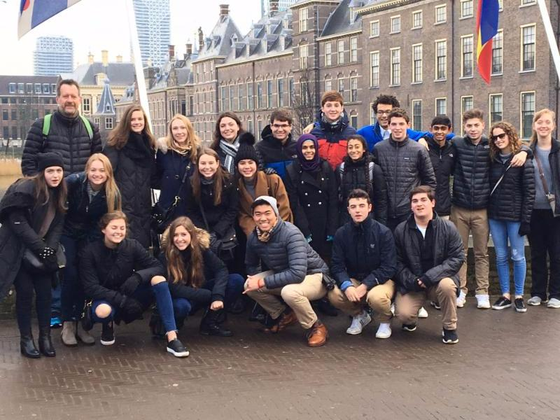 Model UN Students visit The Hague
